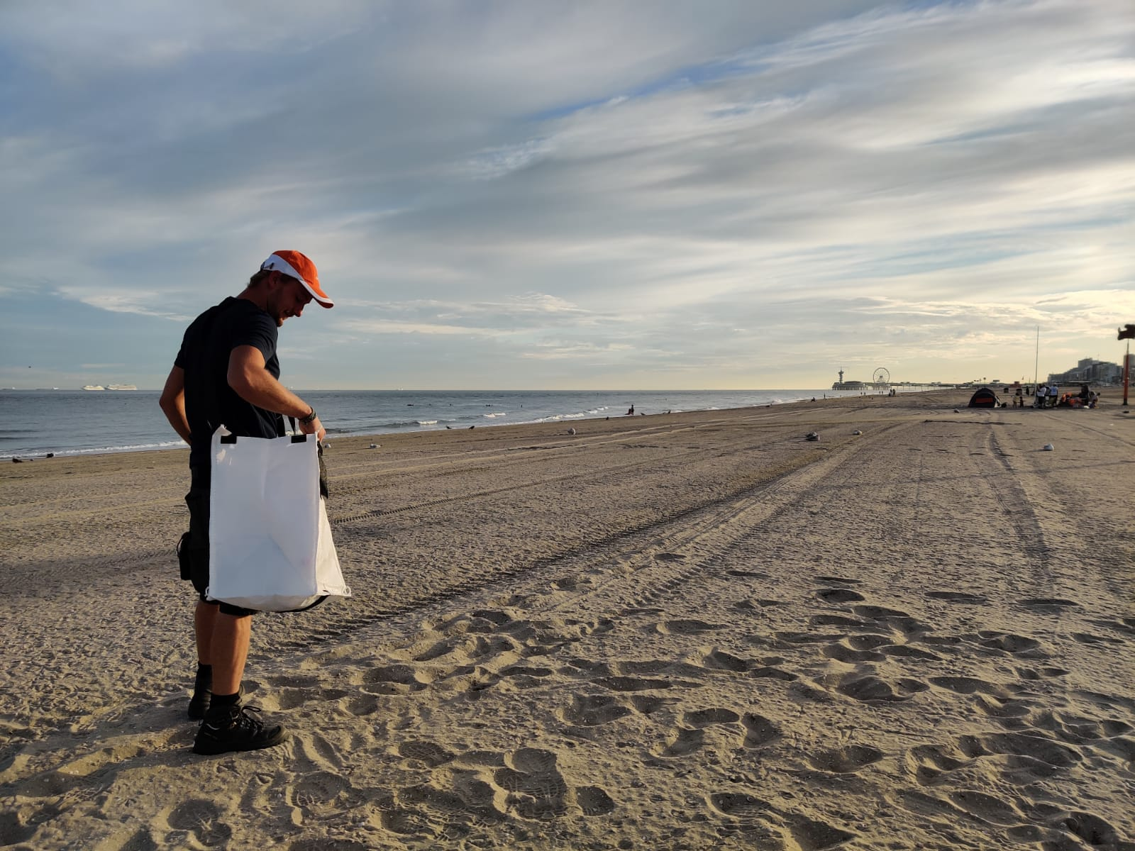 beach-clean-up-bag.jpg
