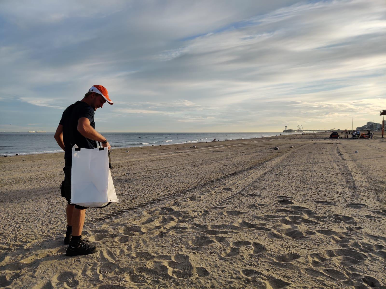 beach-clean-up-bag.jpg